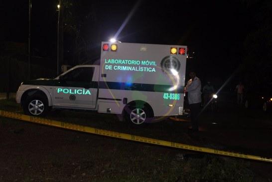 Un joven resultó muerto luego de que su acompañante manipulará un arma de fuego