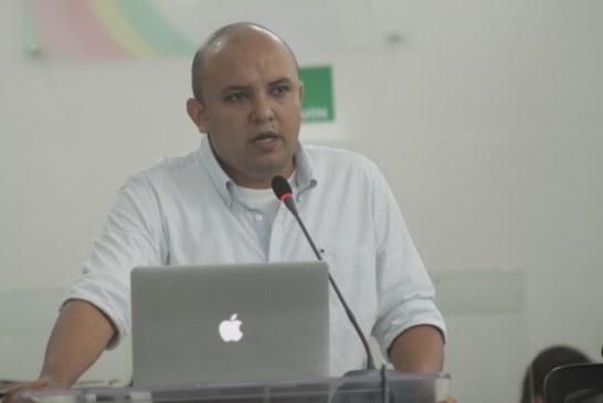 """""""No estamos reviviendo las concesiones"""" Rodrigo Pérez"""