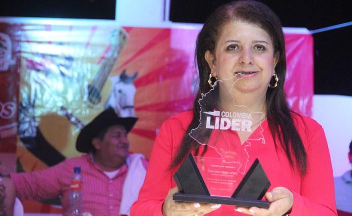 La alcaldesa de Maní le entregó cuentas a su municipio.