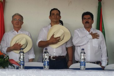 Se posesiona Gobernador de Casanare en compañía del Senador Alvaro Uribe Velez