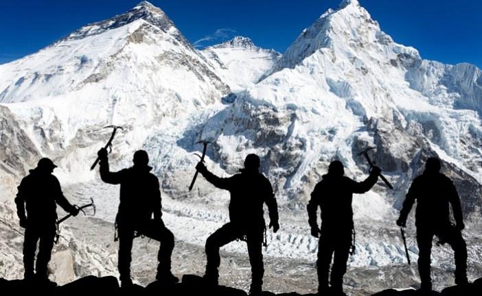 #Violetaenlahistoria: Un día como hoy Alcanzan por primera vez la cima del Everest