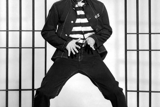 #Violetaenblahistoria: Un día como hoy Elvis realiza por primera vez su provocativo baile