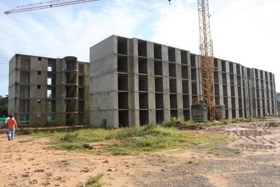 Veedores de Torres del Silencio solicitan al Gobernador liquidar convenio con el constructor