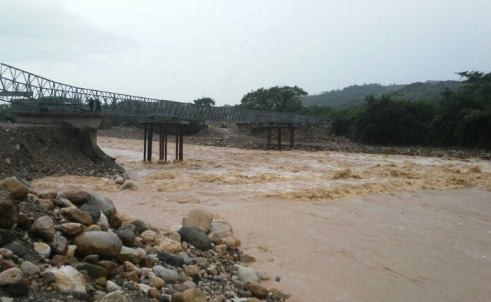 Rio charte después de fuertes lluvias en zona alta del sector