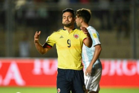 Colombia perdió y terminó el año fuera de los puestos de clasificación a Rusia 2018