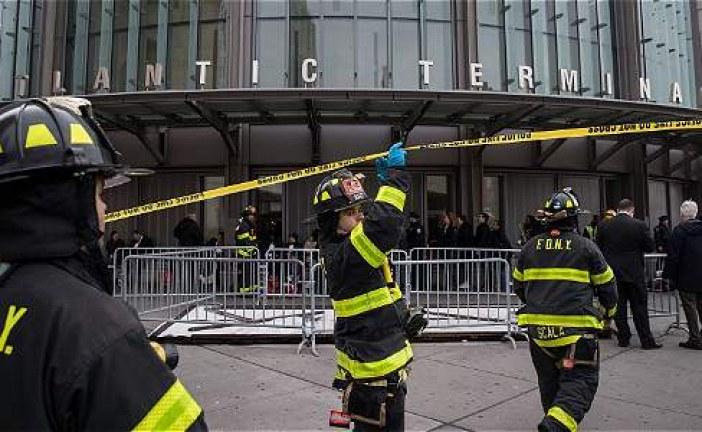Al menos 100 heridos por descarrilamiento de tren en Nueva York