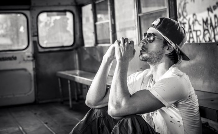 """El nuevo single de Enrique Iglesias """"Súbeme La Radio"""""""