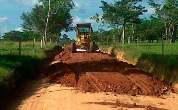 Inician mantenimiento a carretera que estaba en el olvido y conduce a cuatro veredas de Nunchía