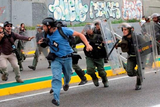 """#EnAudio Los """"colectivos"""" afines al régimen de Maduro se convirtieron en las autodefensas Venezolanas"""