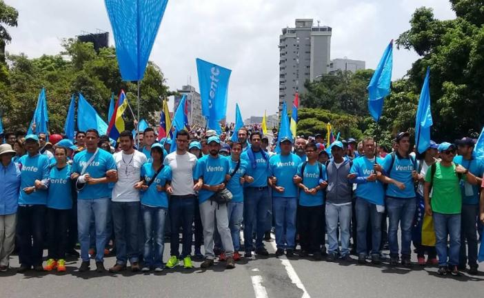 Los Venezolanos estamos flacos de aguantar hambre: Javier Chirinos