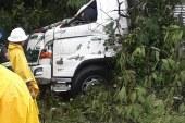 #EnAudio Accidente en Aguazul, árbol cayó sobre un camión y cobró la vida del conductor