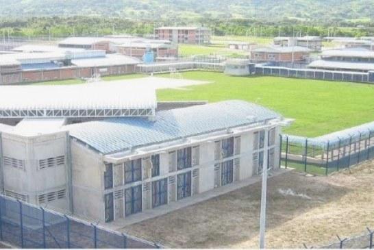 Por no poner agua en cárcel de Yopal multada con $15 millones directora de Uspec