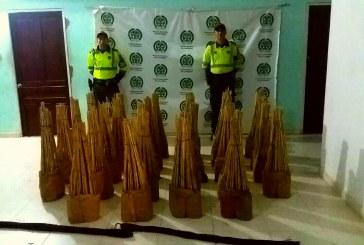 Policía de Carreteras de Casanare incautó pólvora que venía camuflada en carga de verduras