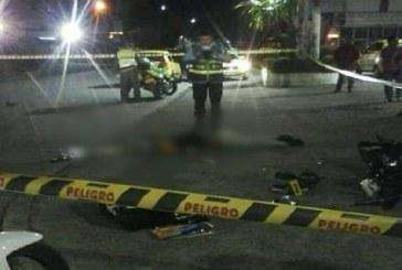 Motociclista falleció en choque contra vehículo compactador de basura.
