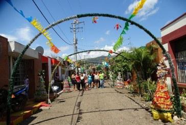 Aguazuleños vieron premiados sus esfuerzos por mantener bonitos sus barrios y resaltar la época decembrina
