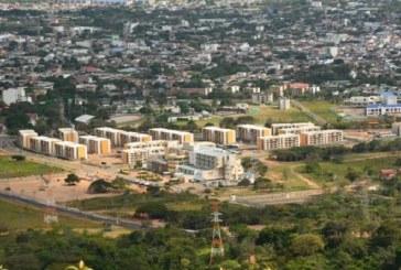 Edificaciones y urbanizaciones a inspección de legalidad de licencias y sismo resistencia.