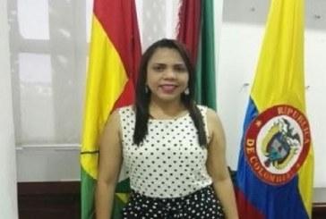 La ex gerente de Ceiba, Clarena López Anaya, habría celebrado 26 contratos irregulares.