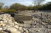 #EnAudio Comunales de #Yopal demandan arreglo de malecón donde inicia la ciudad para evitar más damnificados. Mañana en el río se verán con alcalde y gobernador.