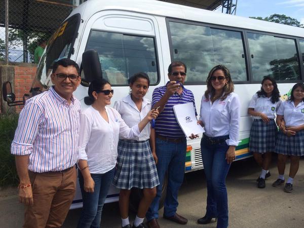 Alcaldía entregó los buses escolares donados por Equión