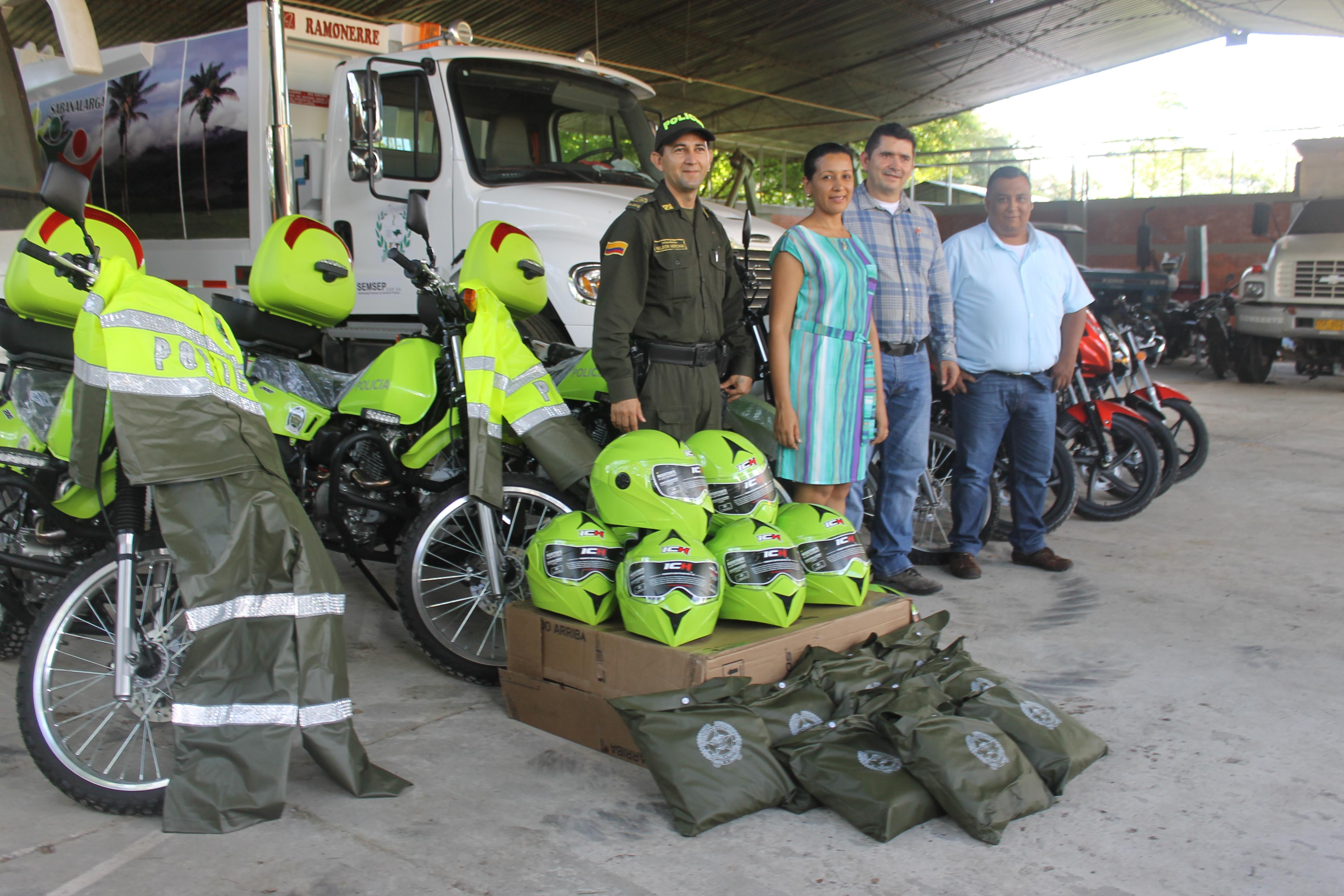 Nueve motocicletas fueron entregadas a fuerza pública en Sabanalarga