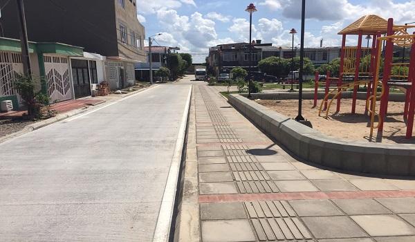 Gobernador inaugura pavimentación y parques en comuna 3