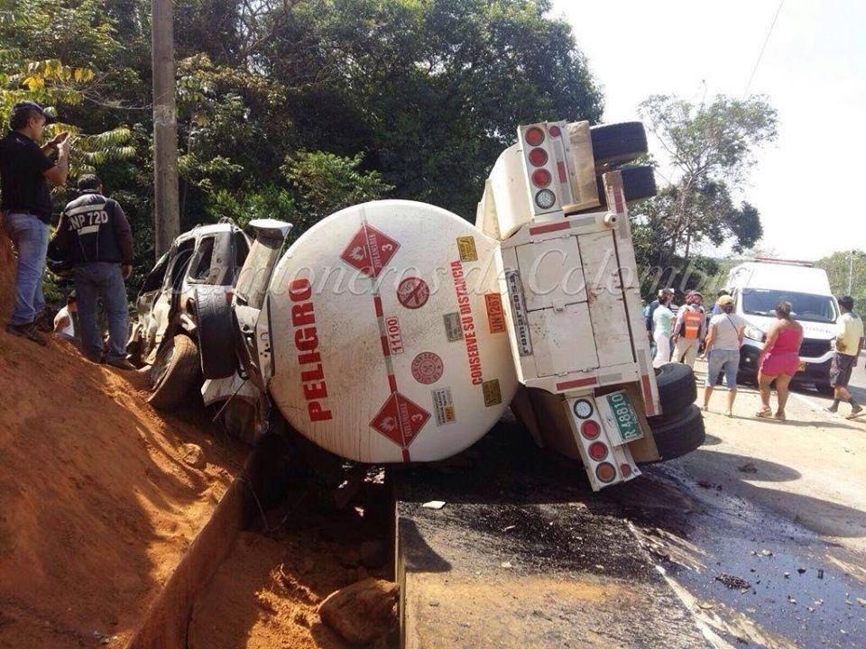 Accidente vía Barranca de Upía terminó en tragedia.