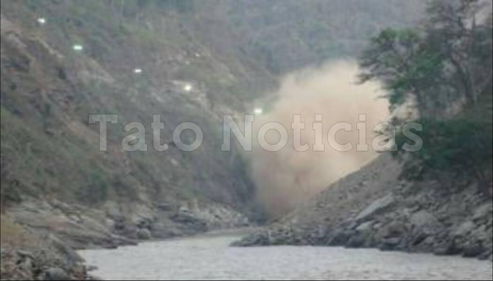 Con maquinaria liberarán aguas represadas en el río Upía