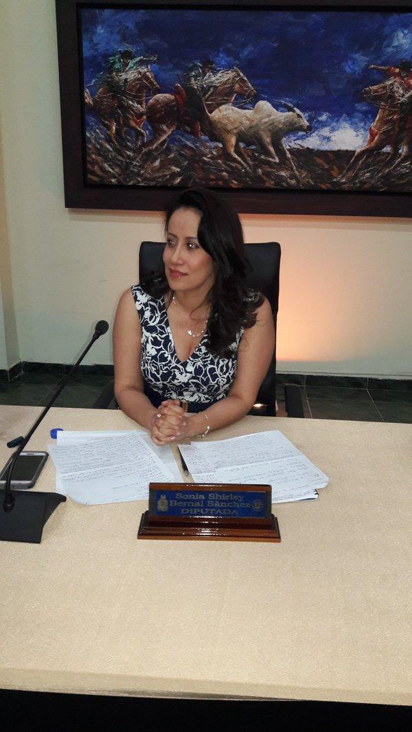 Sancionada presidenta de la Asamblea por maniobras dilatorias