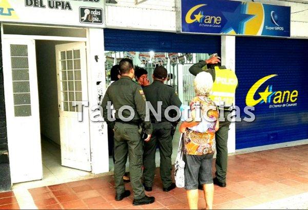 Delincuentes asaltaron sede de Súper Giros en Villanueva.