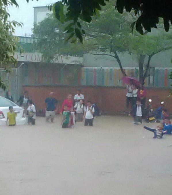 Colegios y barrios inundados en Yopal por fuertes lluvias