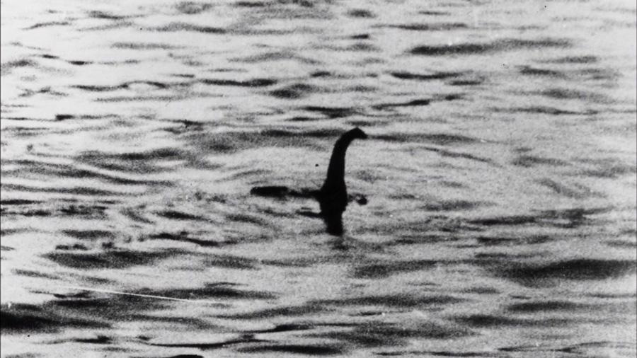 #Violetaenlahistoria: Hoy hace 82 años Fue tomada la fotografía mas emblemática de Nessie