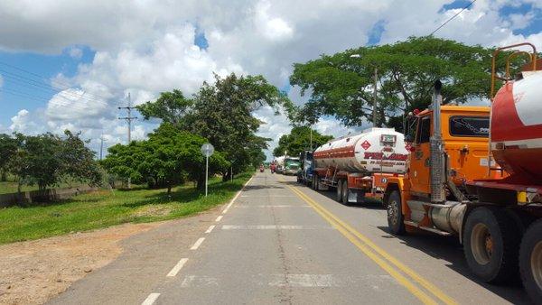Empresas transportadoras rechazan vías de hecho de dueños de carrotanques