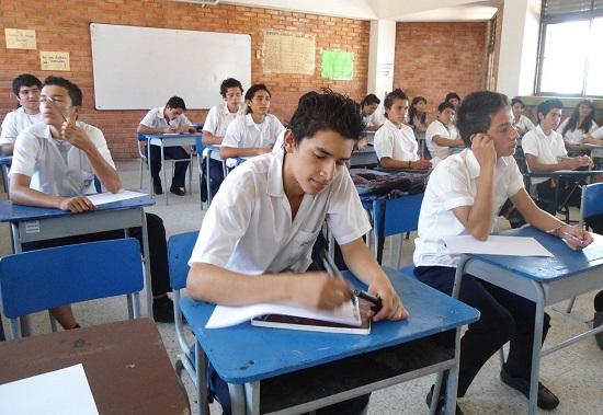 Gobernación cierra aulas en colegio de Villanueva por hacinamiento
