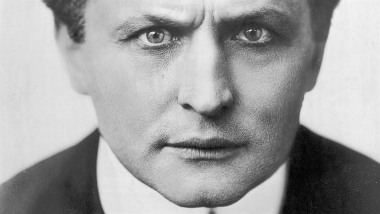 #Violetaenlahistoria: Un día como hoy Murió el ilusionista Harry Houdini