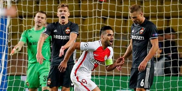 Falcao anotó dos goles con el Mónaco y se acerca a la Selección