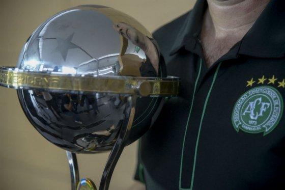 Incertidumbre por lo que sucederá con el título de la Copa Sudamericana