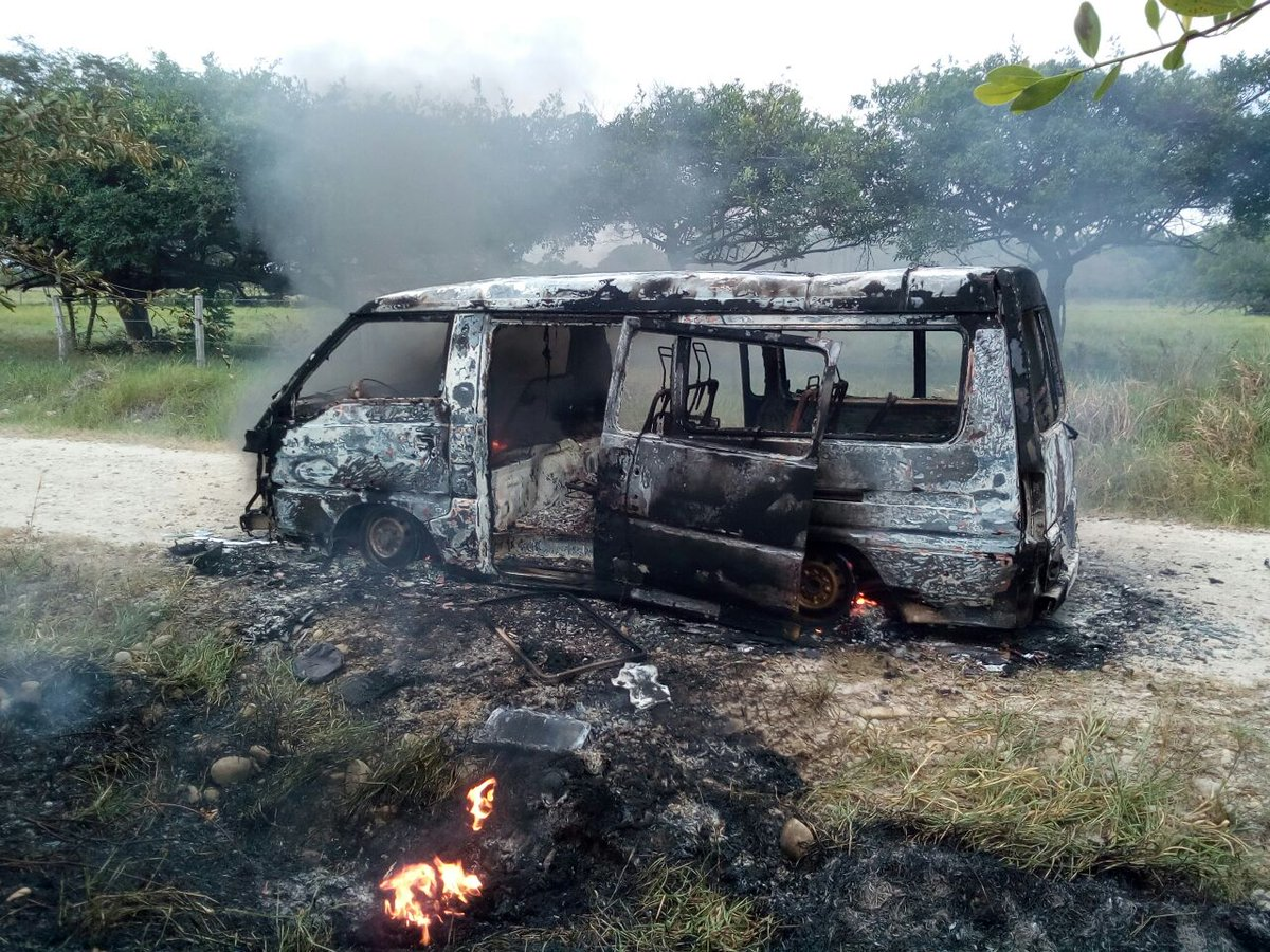 Incendio  buseta que prestaba servicio escolar en Hato Corozal
