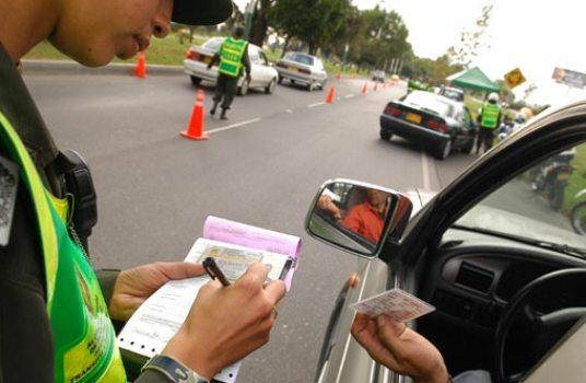Denuncia Ciudadana: Aparentes favorecimientos a infractores harían agentes de policía y tránsito