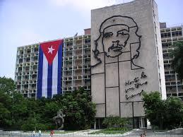 """Casi 375.000 personas visitaron los restos del """"Che"""" Guevara en Cuba en 2016"""