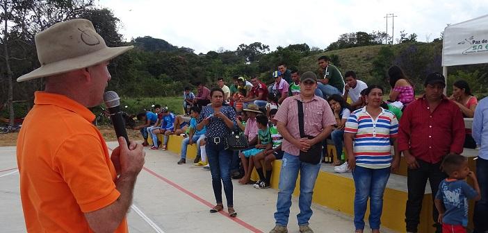 Alcalde de paz de Ariporo inauguró campo deportivo en la Vereda la Palma