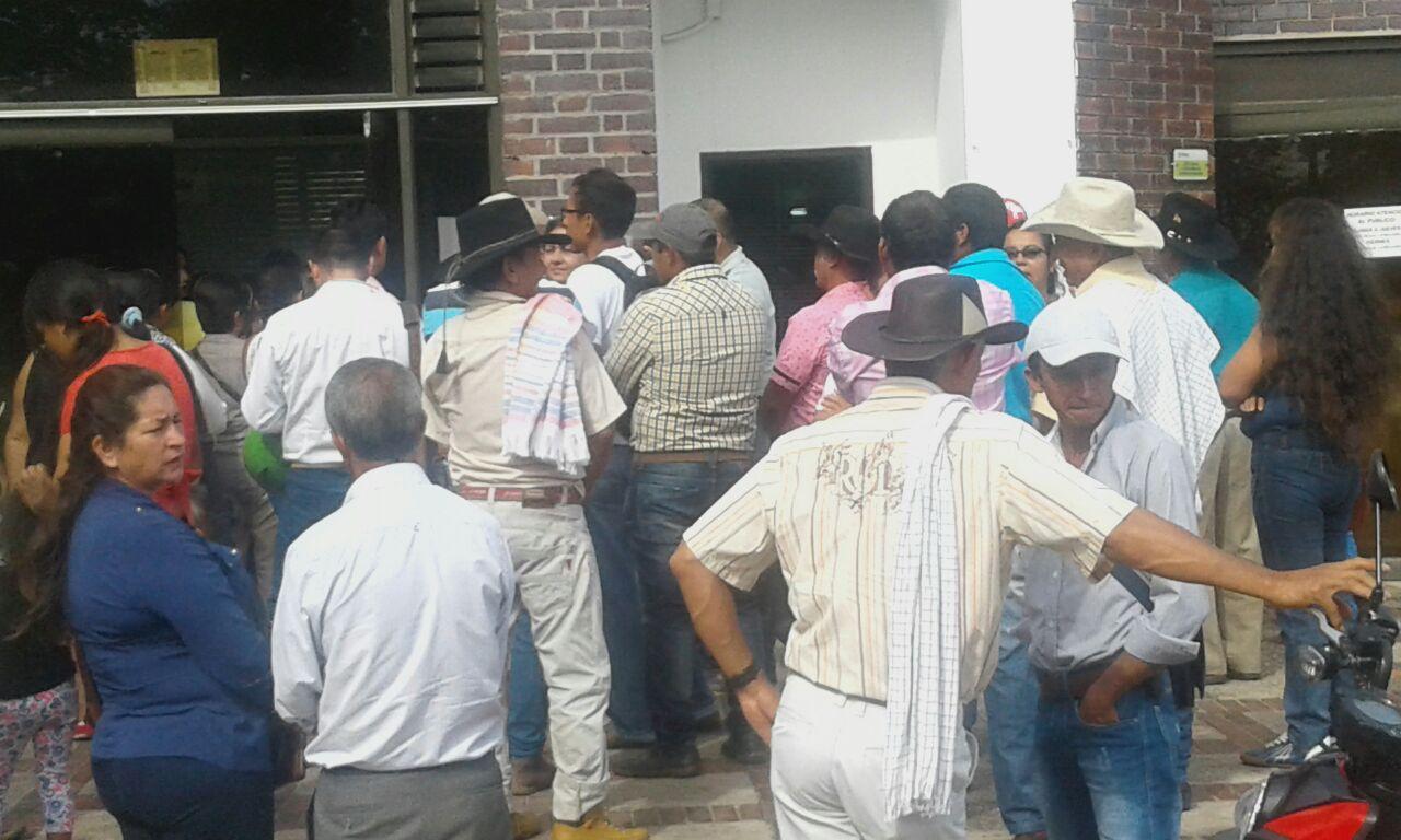 Urgente: Protesta de comunidad de Nunchia  frente a Enerca Casanare