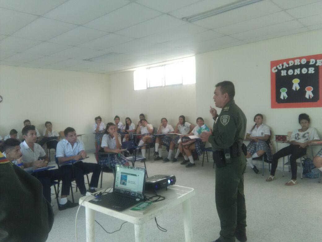 Policía socializa Nuevo Código Nacional a Estudiantes de Instituciones Educativas