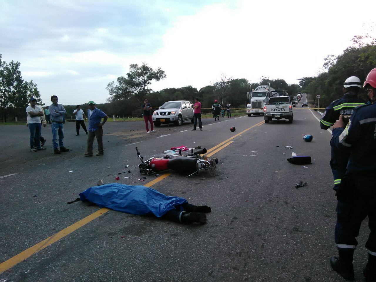 En accidente múltiple murió motociclista, en la vía Aguazul – Monterrey