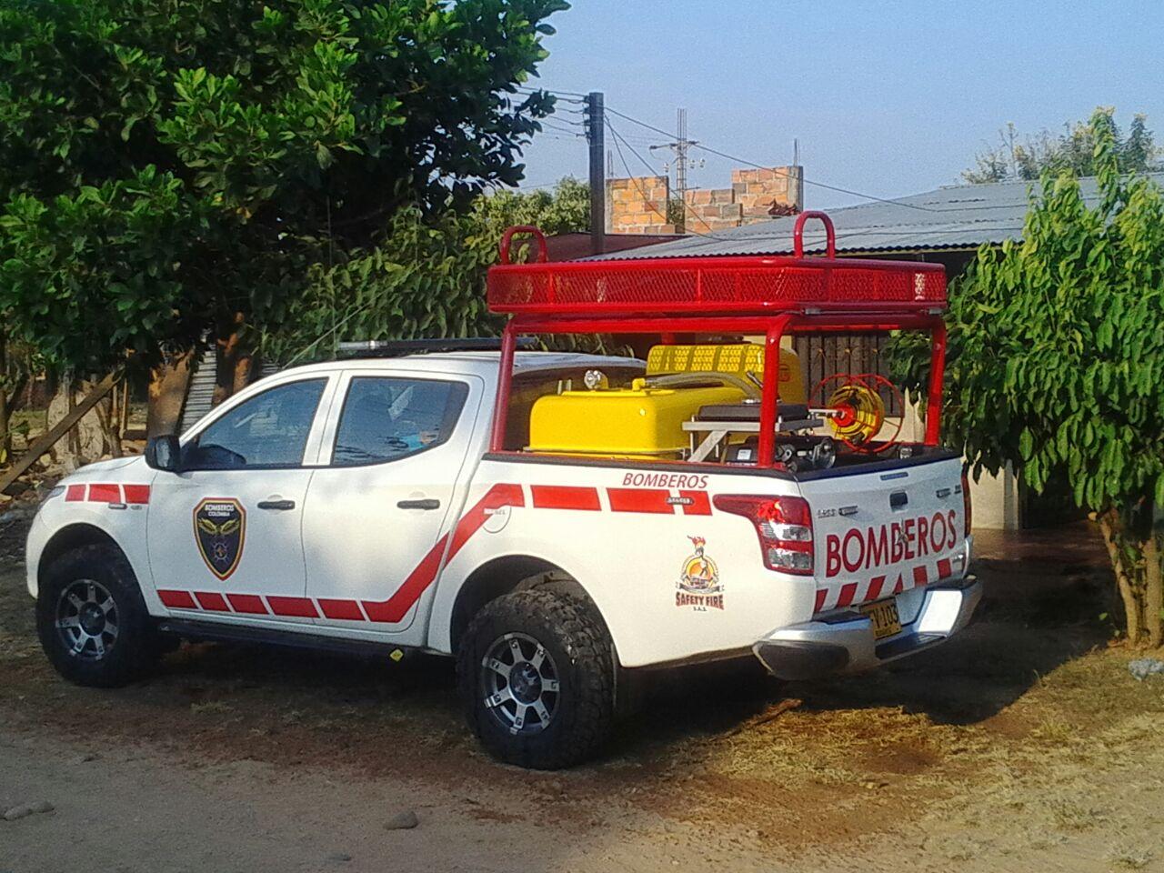 Bomberos de Hato Corozal estrenan vehículo de atención a emergencias