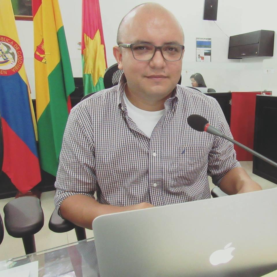 #EnAudio Concejal Rodrigo Perez habla sobre la puja entre ACUATODOS y EAAAY por las adecuaciones del relleno #ElCascajar.