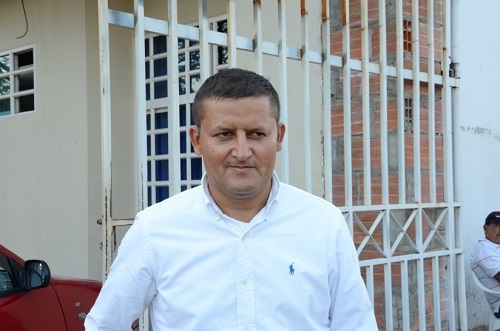 """""""Comerciantes pagan más por alumbrado público que por industria y comercio y predial"""" Nelson Forero"""