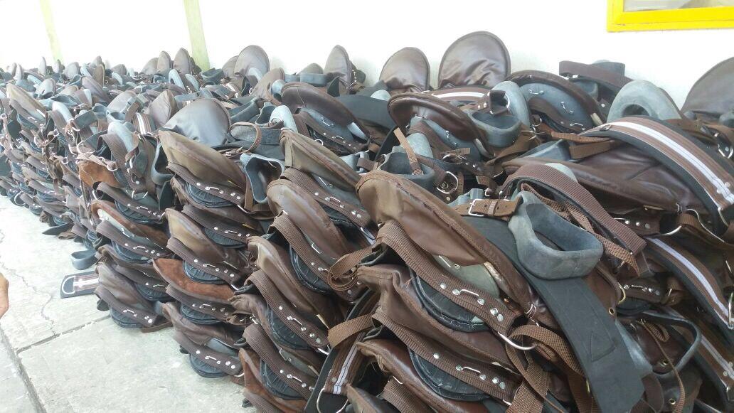 Gobernación entregó 245 sillas de caballería a la Brigada 16 del Ejército