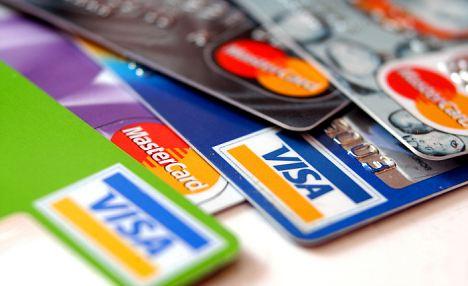 tarjeta de crédito bailarines pecho