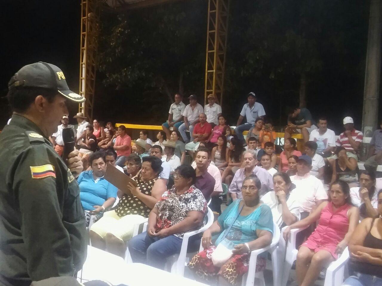 #EnAudio Policía realiza mesa de seguridad con líderes civiles y comunidad de la comuna IV