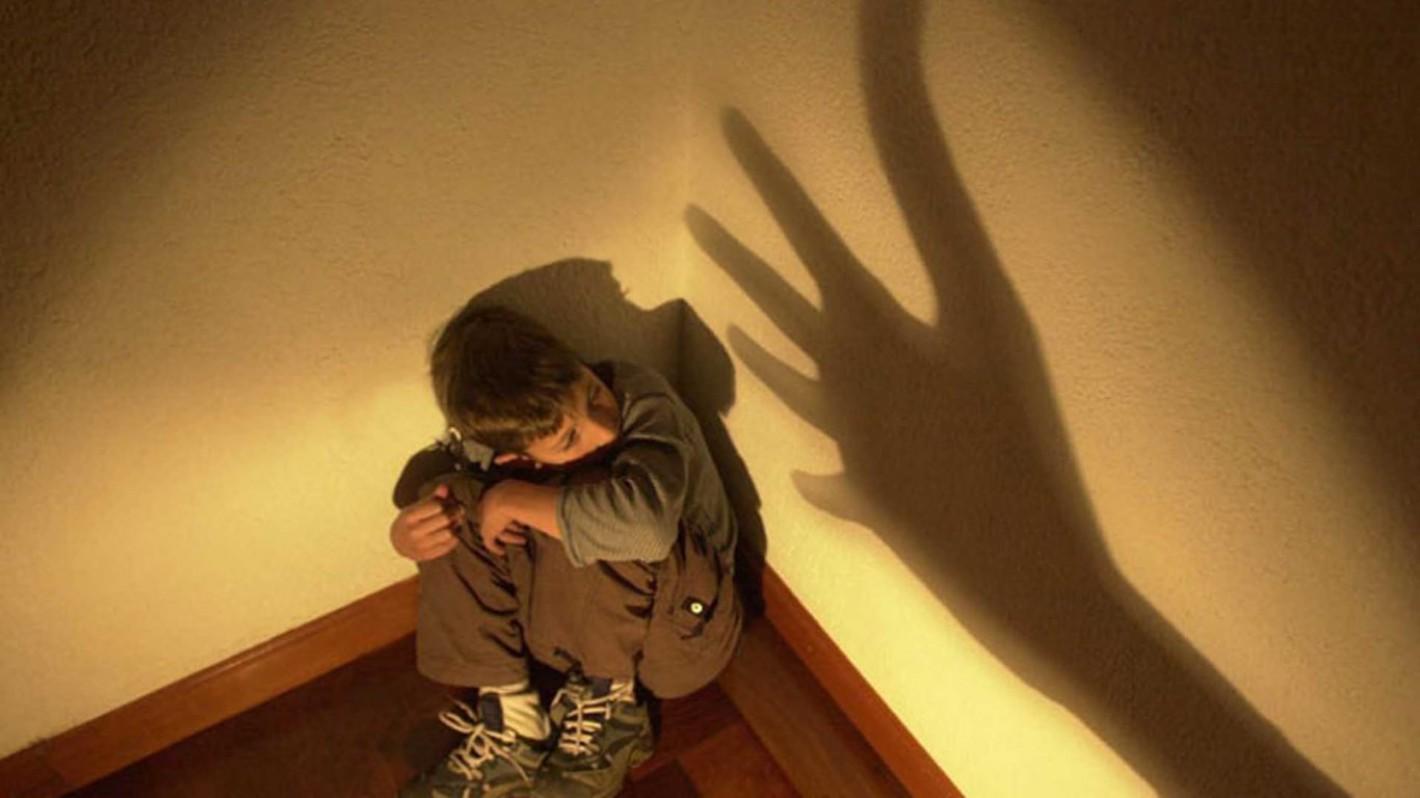 ¿Qué sucede con un niño que es maltratado?